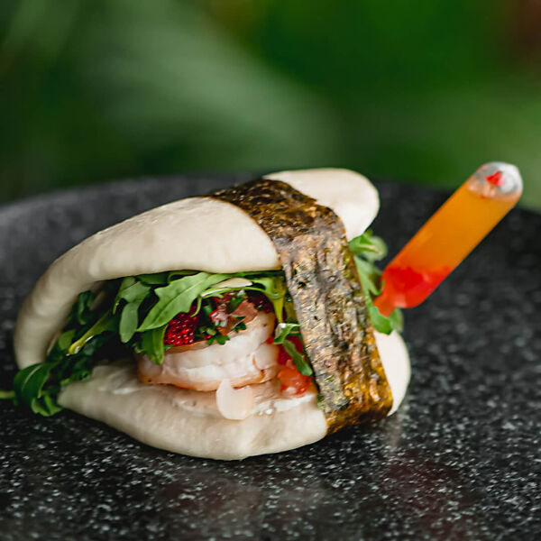 Bao with shrimp and almonds