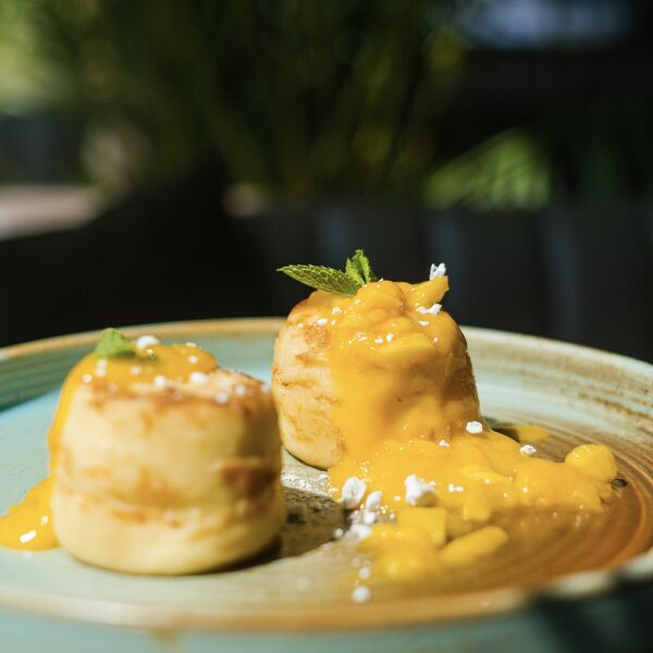 Сырники с манго и маскарпоне